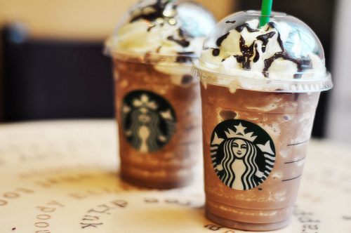 9 iced drankjes bij Starbucks onder 100calorieën