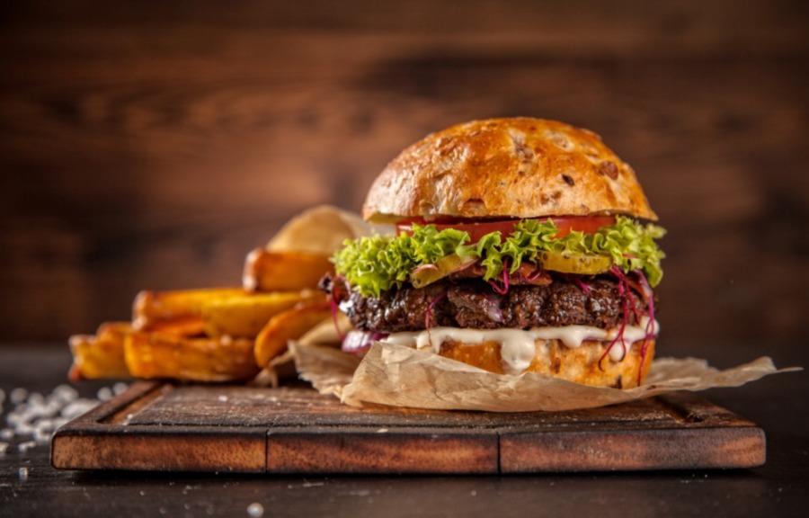 9 hamburgertoppings die ideaal zijn voorsporters